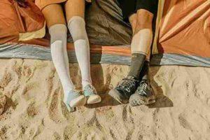 カップルの足