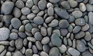 河原の丸い小石