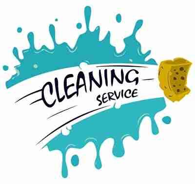 スポンジで汚れを掃除する